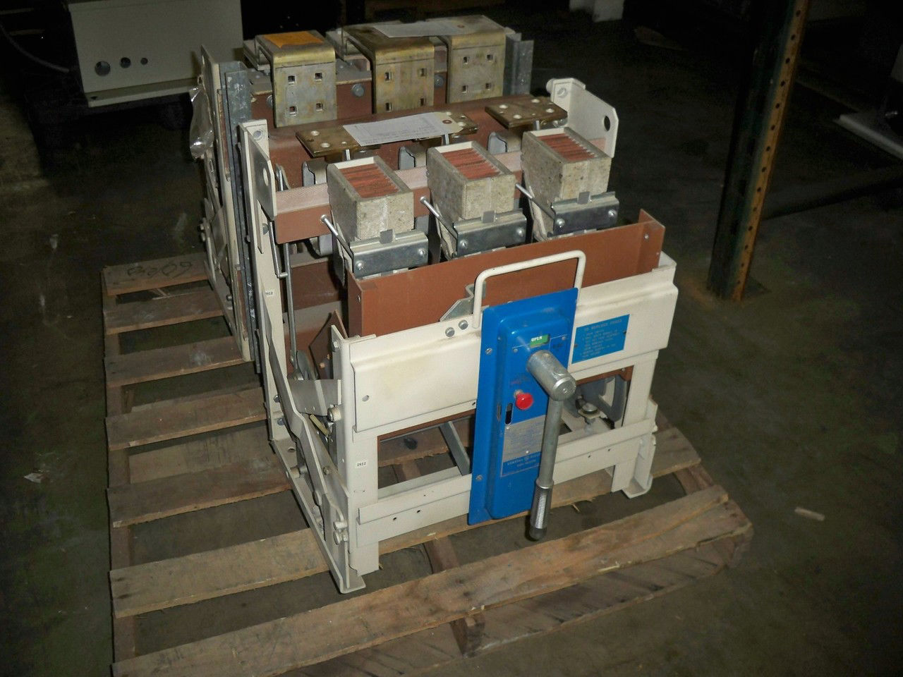 Picture of 6PLB12 General Electric Switch 1200 Amp 600 Volt