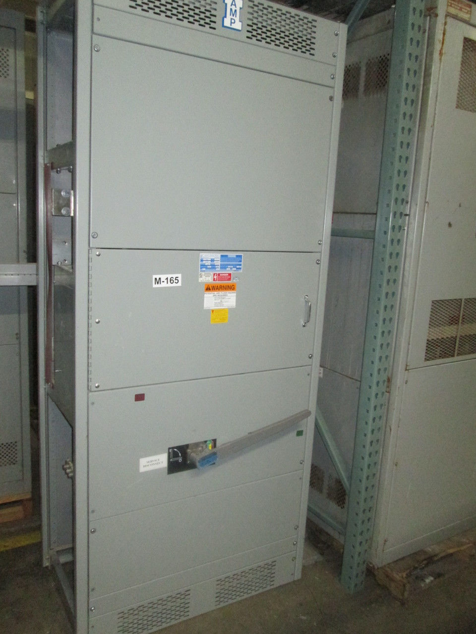 Picture of AMP 2000A 120/240V 1PH 3W Boltswitch VLB2410 Main Fusible Switch NEMA 1 (M-165)