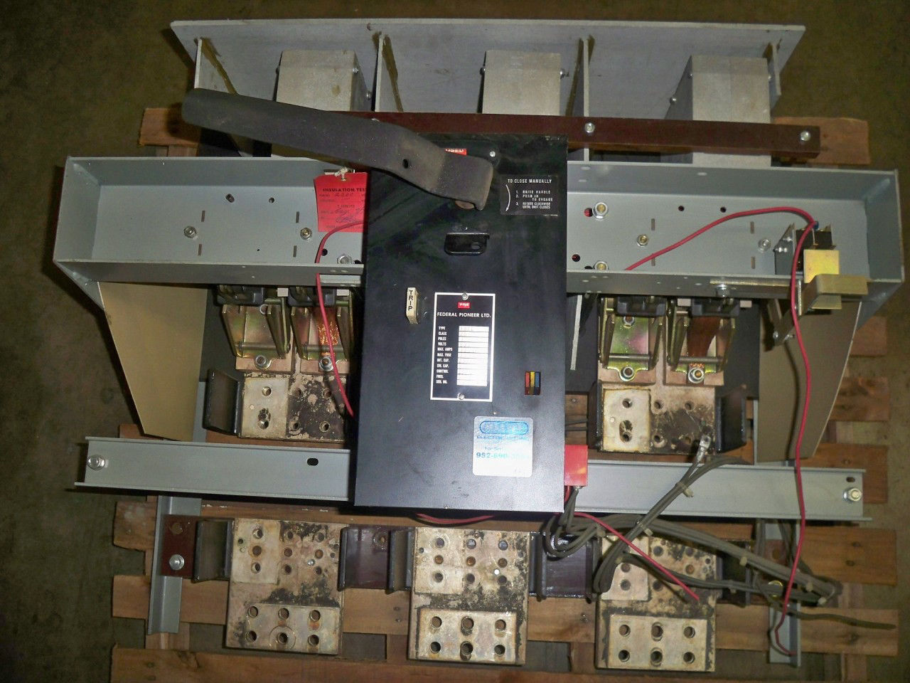 Picture of 30PL Federal Pioneer Switch 3000 Amp 500 Volt