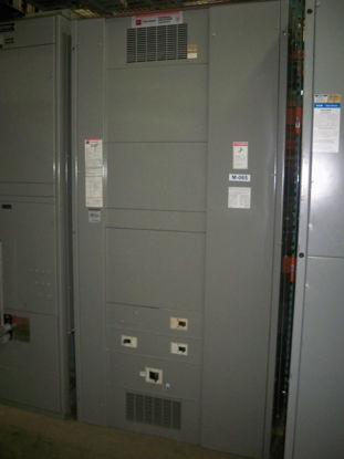 Picture of Cutler-Hammer Pow-R-Line C 800 Amp 3 Phase 4 Wire Main Breaker Panel