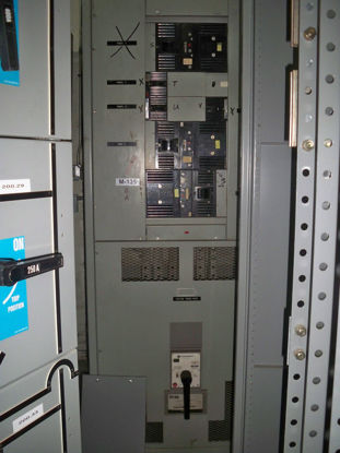 Picture of GE AV-Line 1200 Amp 3 Phase 4 Wire TPR6612 Main Breaker panel