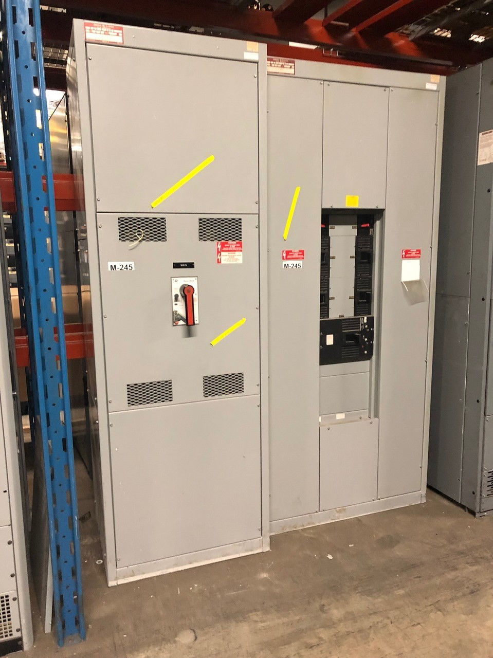 Picture of GE AV-Line style 1600 Amp 3 Phase 4 Wire Main Breaker Panel