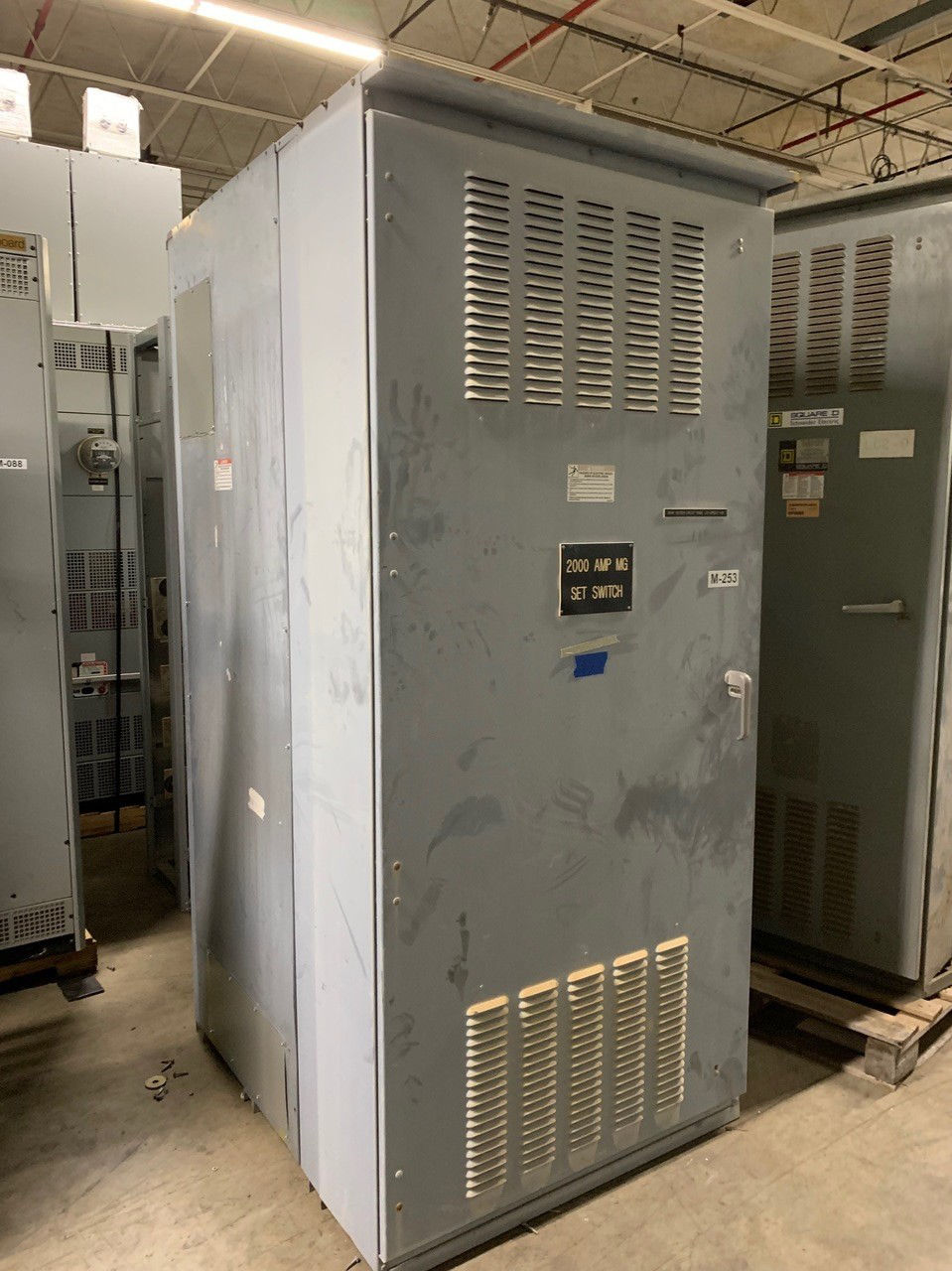 Picture of Square D QED style switchgear 3000A 3Ph 4W 400Y/230V Nema 3R