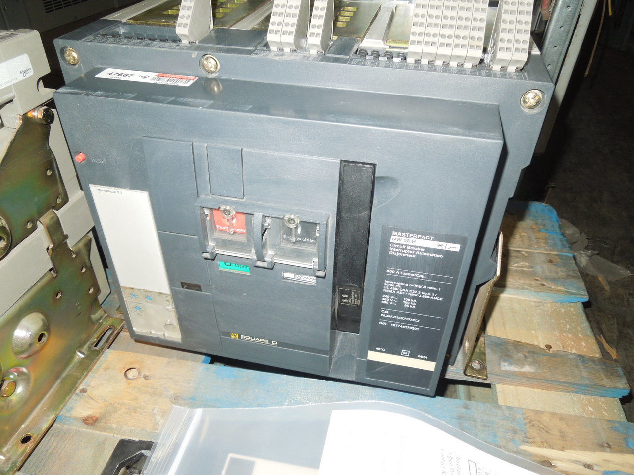 Picture of NW08H Square D Masterpact Breaker 800 Amp 600 VAC E/O F/M