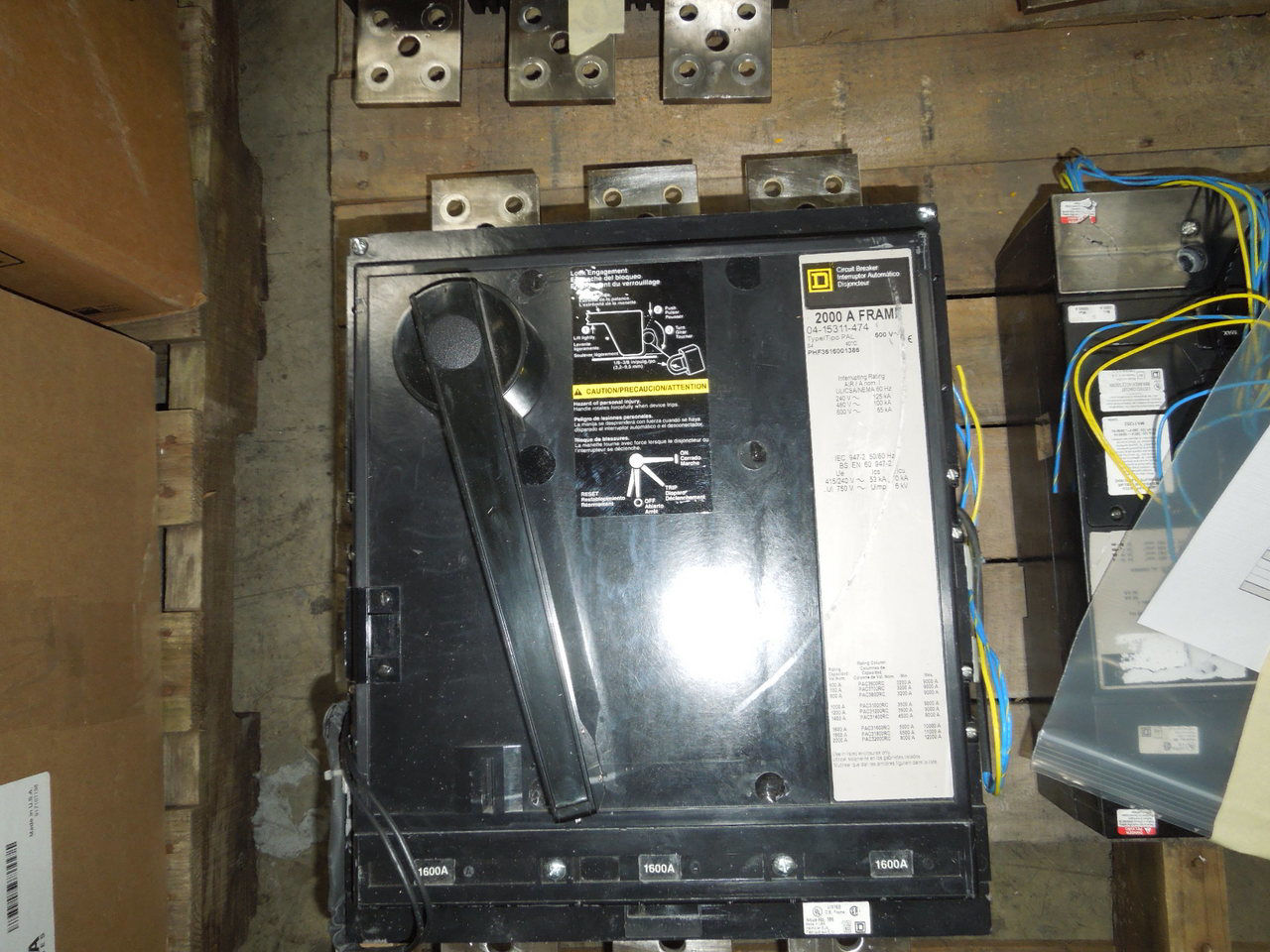 Picture of PHF3616001386  Square D Breaker 1600A 600 VAC M/O F/M Used Tested MC-CB#1824