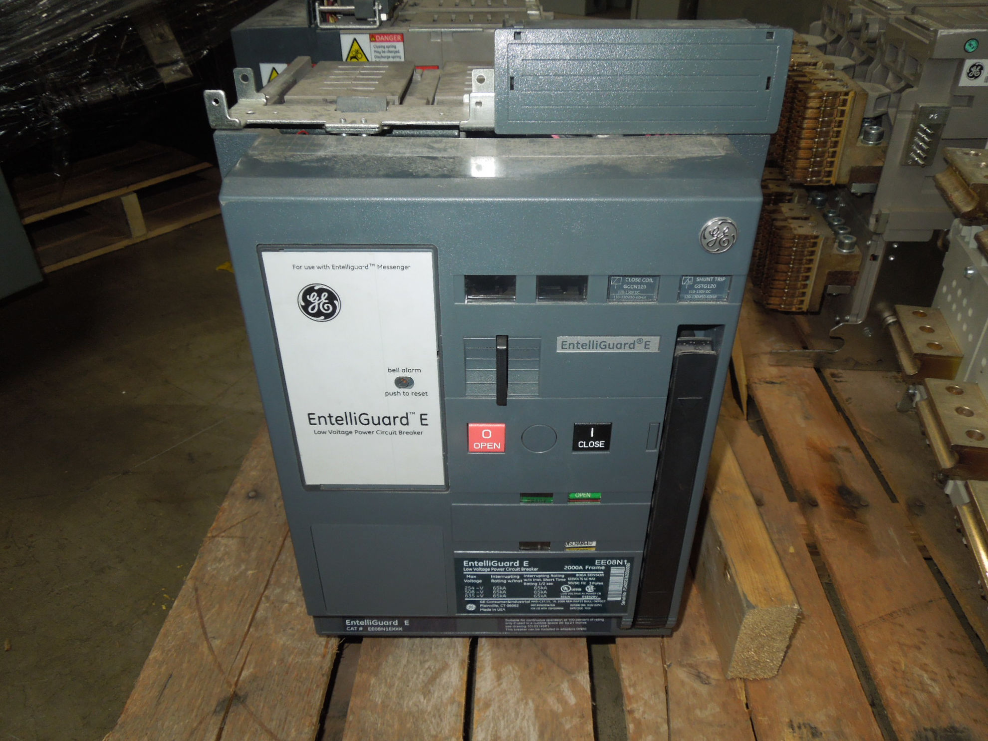Picture of EE08N1 GE Entelliguard E 2000A Frame 800A Sensor 3P 635V Power Circuit Breaker EO/DO