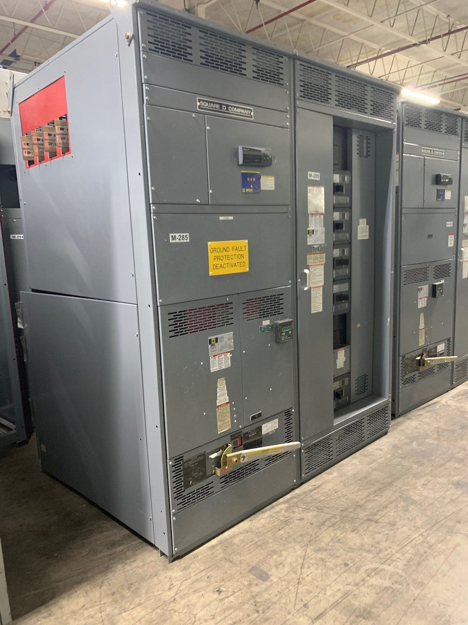 Picture of Square D QED style switchgear 1200A Fusible Main, Nema-1 R&G