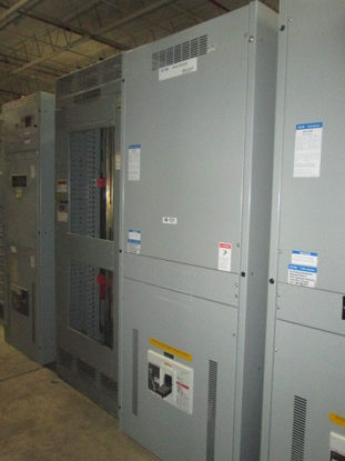 Picture of Cutler-Hammer Pow-R-Line C Section 2000 Amp 3 Phase 3 Wire 480 Volt RD320T32W Main Circuit Breaker