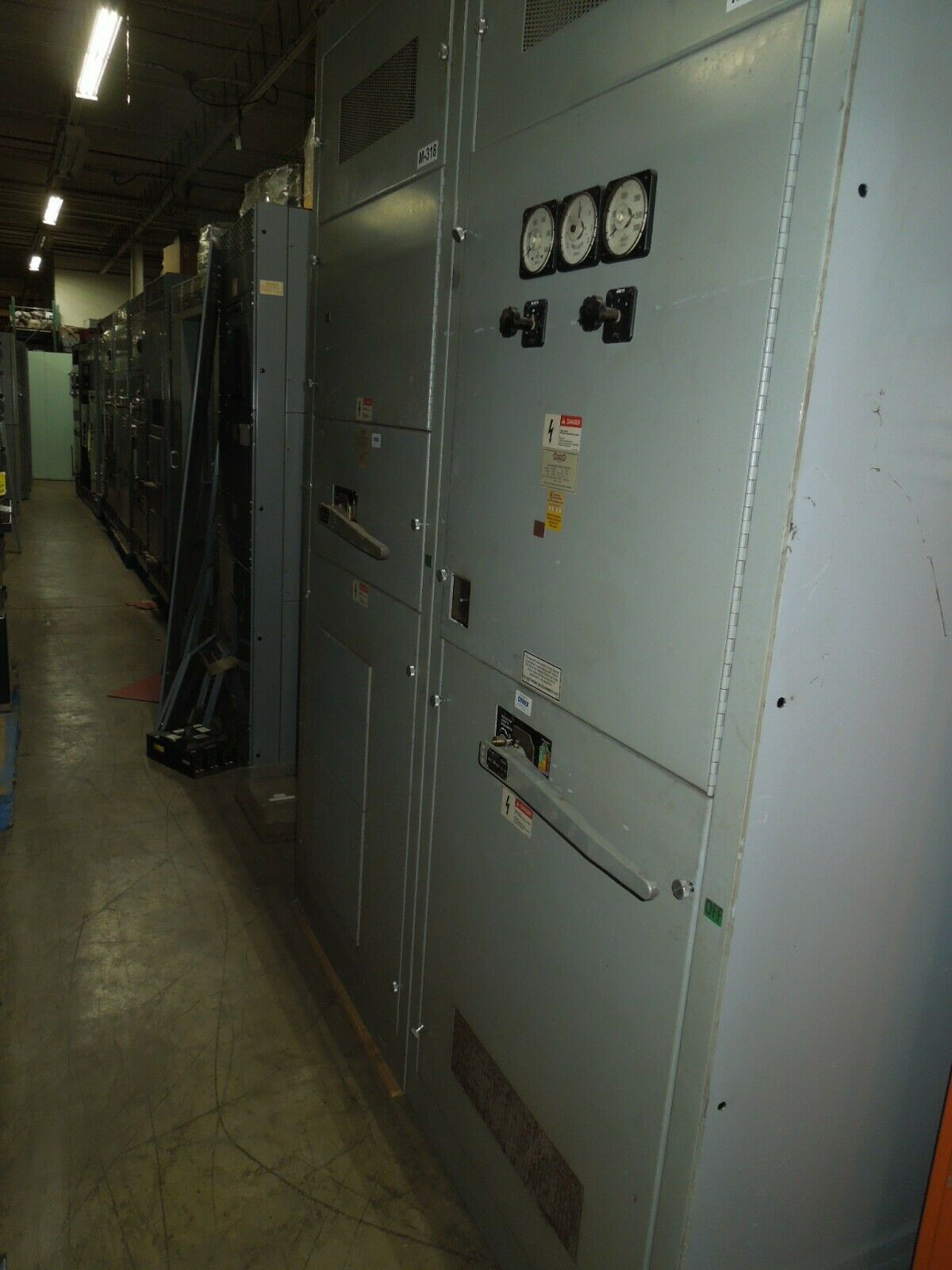 Picture of States 3000A (SL3612-G6) 3ph 480Y/277V Dead Front Switchboard w/ 1600A VLB 449-N NEMA 1 Used E-OK
