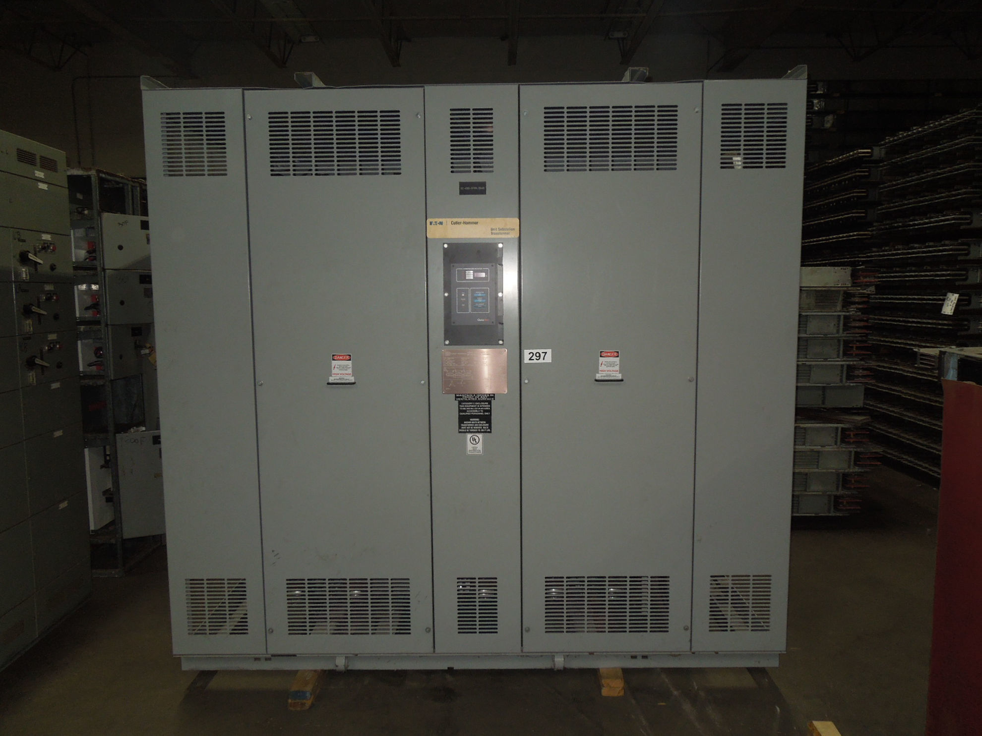 Picture of Cutler-Hammer 2000/2667KVA 4160-480Y/277V 3ph Dry Type Transformer