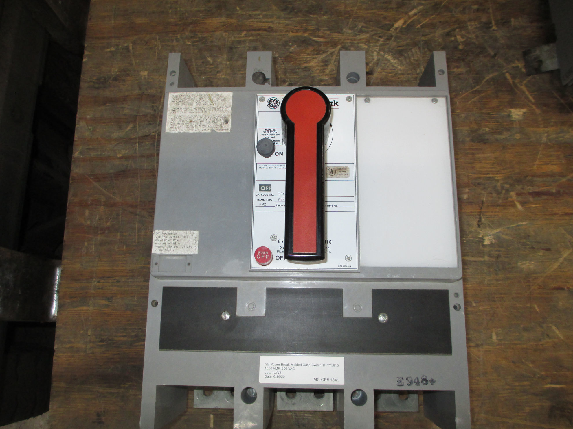Picture of TPYY5616 GE Power Break 1600 Amp 600 VAC Molded Case Switch MO/FM