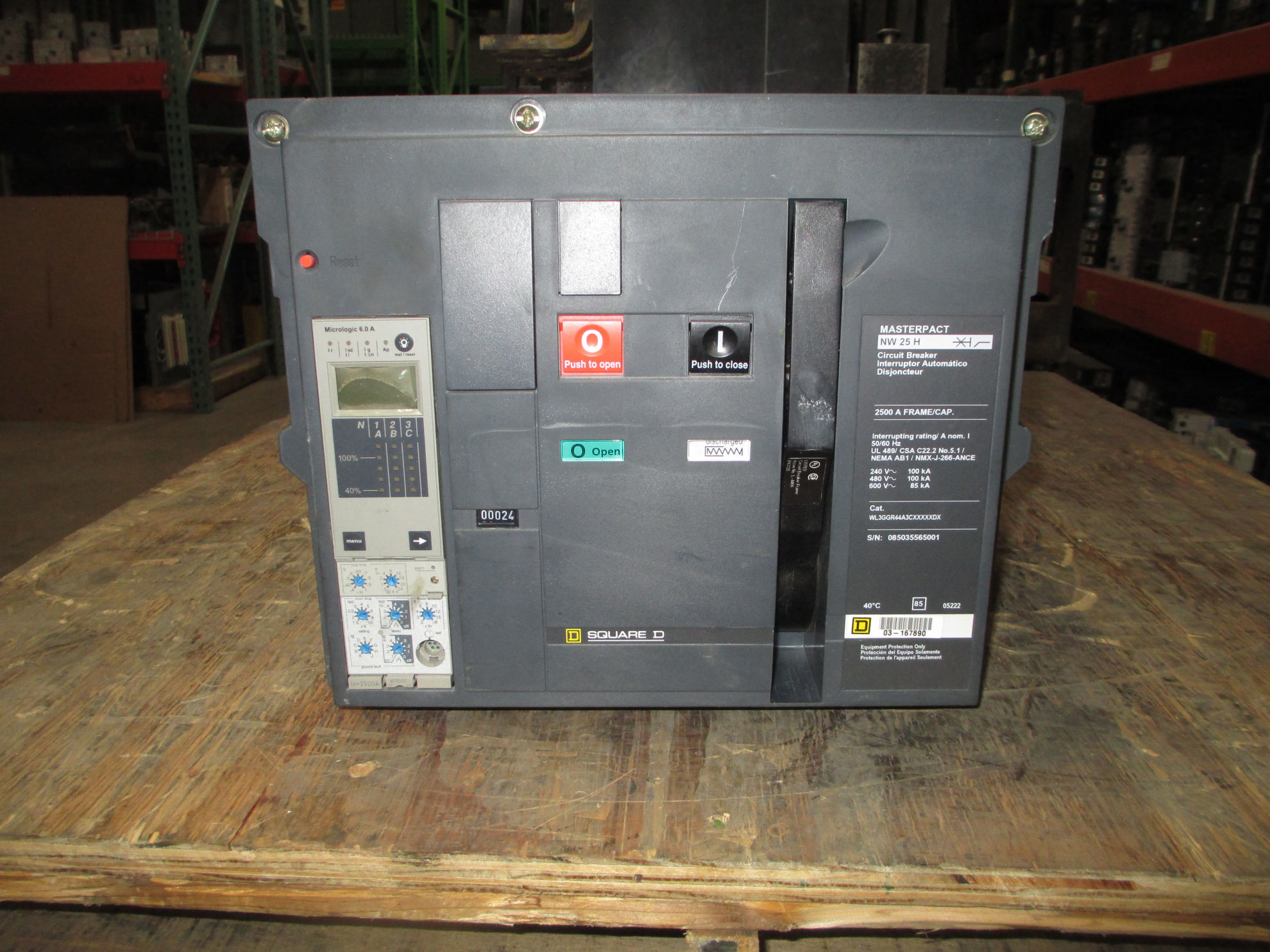 Picture of WL3GGR44A3CXXXXXDX Square D MasterPact Breaker NW 25 H; 2500 Amp 600 VAC LSIG MO/DO