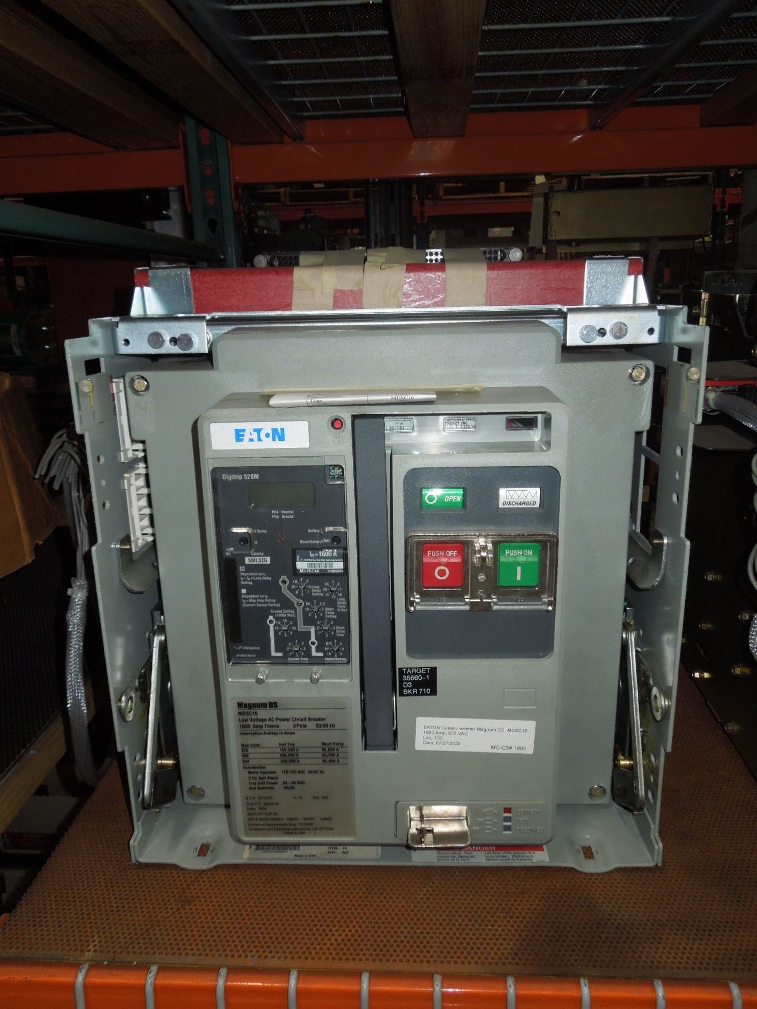 Picture of MDSC16 Eaton/ Cutler-Hammer Magnum DS Breaker 1600 Amp 600 VAC LSIG EO/DO