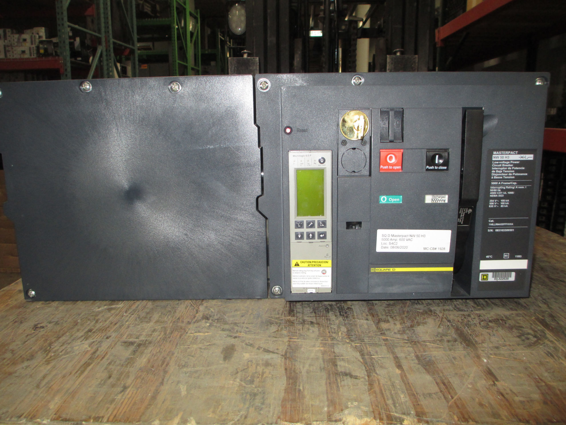 Picture of NW50H3 Square D MasterPact Breaker 5000 Amp 600 VAC LSIG MO/DO