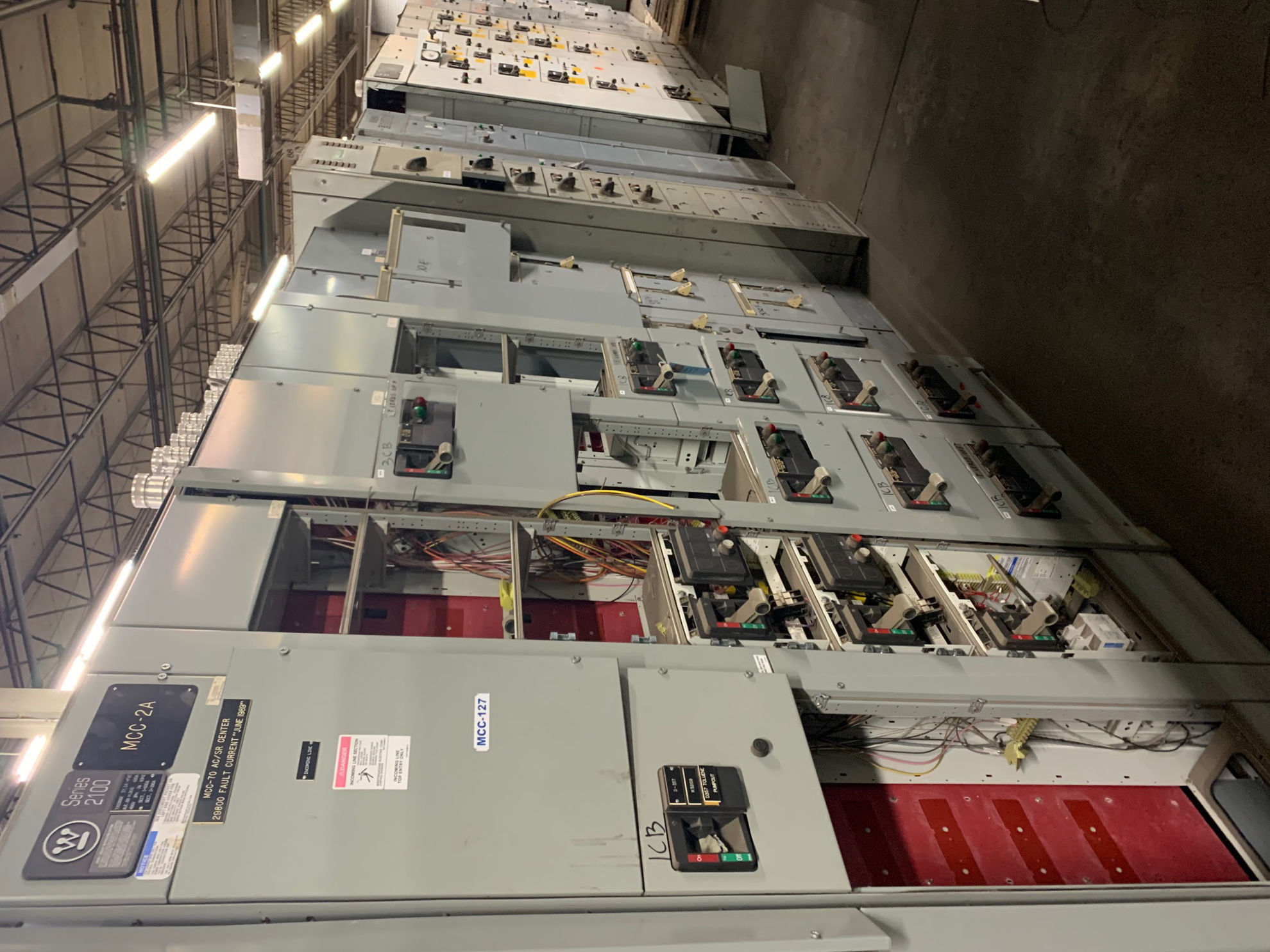 Picture of Westinghouse 2100 Series MCC 600 Amp MLO 480Y/277 Volt