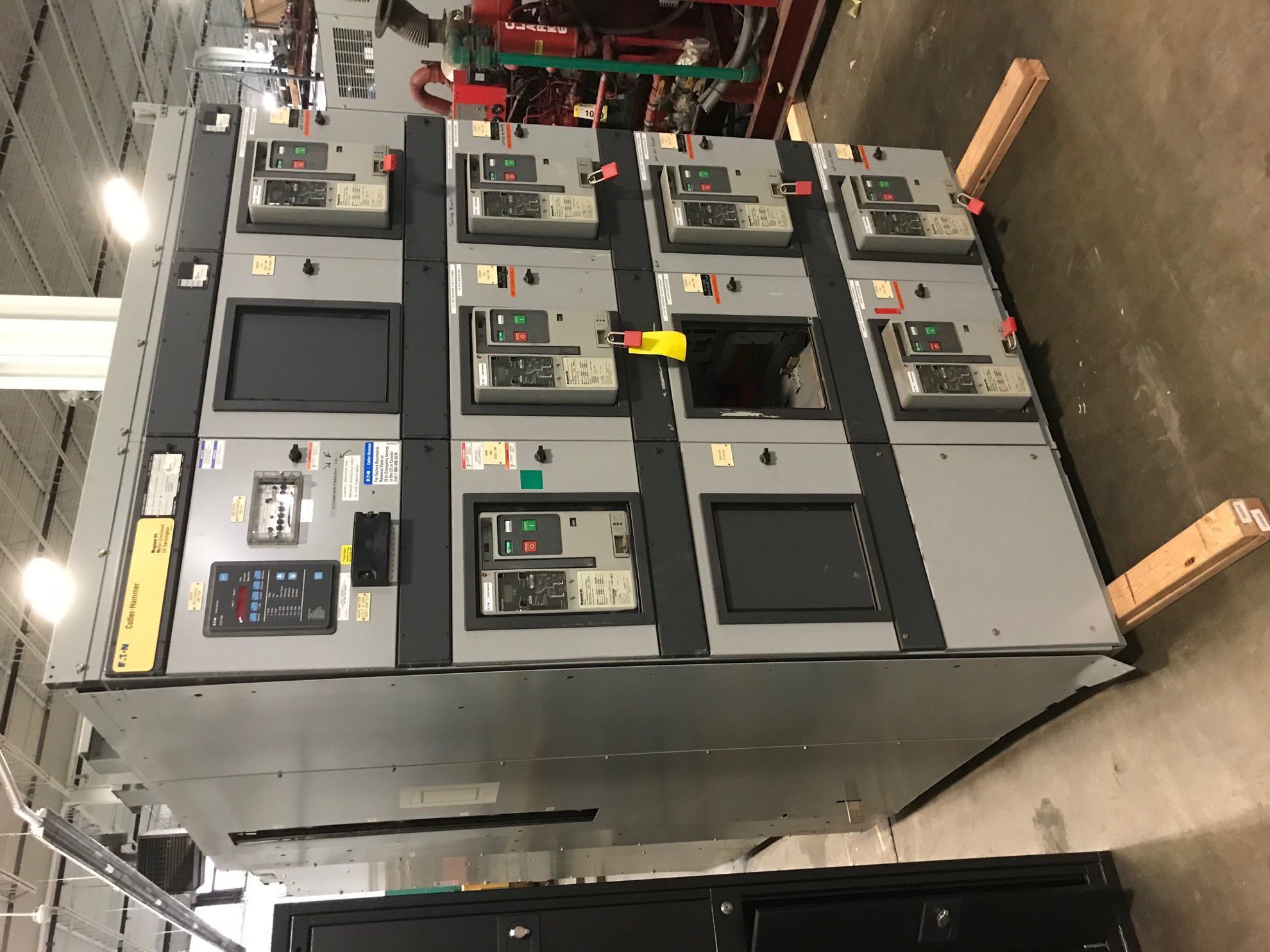Picture of Cutler-Hammer Magnum DS Switchgear 1600 Amp Main Breaker Panel W/ LSIG & 1200 Amp Rating Plug Used E-OK M-371