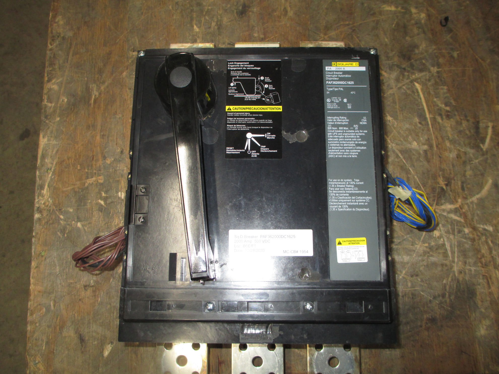 Picture of Square D PAF362000DC1625 Circuit Breaker 2000 Amp 500 Volt DC W/ Auxiliary Switch MO/FM